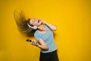 chica-motivacion-musica