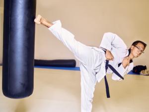 patada-taekwondo-saco